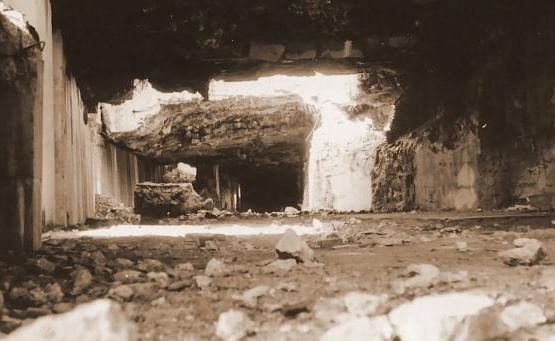 Руины штаб-квартиры, после ухода немецкой армии.