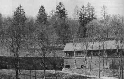 Дом №7 во время американской эксплуатации.