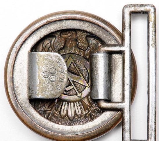 Парадный парчовый ремень с золотистой пряжкой офицеров штурмовых отрядов СА.