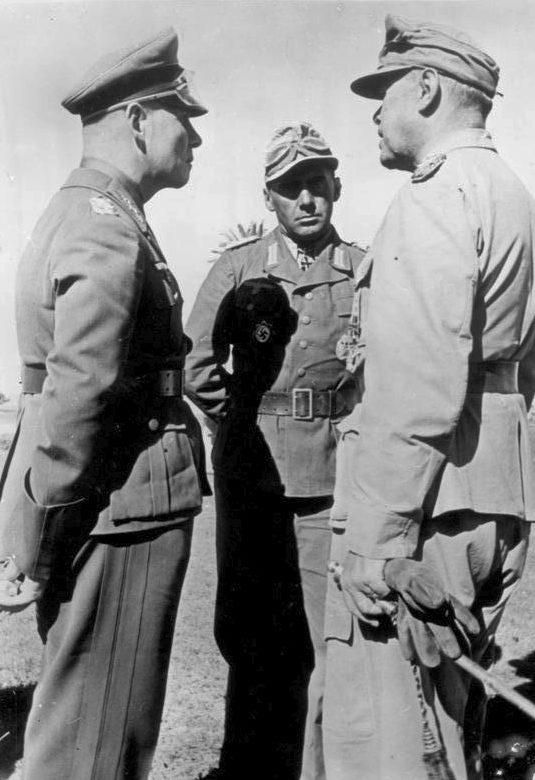 Альберт Кессельринг и Эрвин Роммель. Берлин. 1943 г.