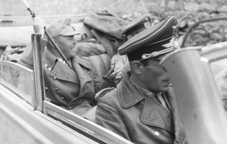 Альберт Кессельринг в автомобиле. Италия. 1944 г.