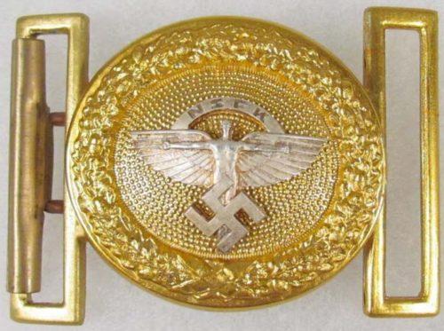 Пряжка золотистого цвета парадного ремня генерала NSFK.