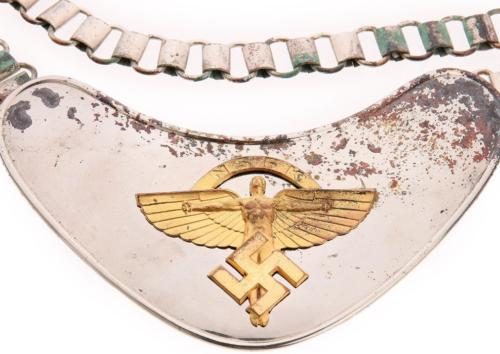 Стандартный горжет NSKK образца 1937 г.