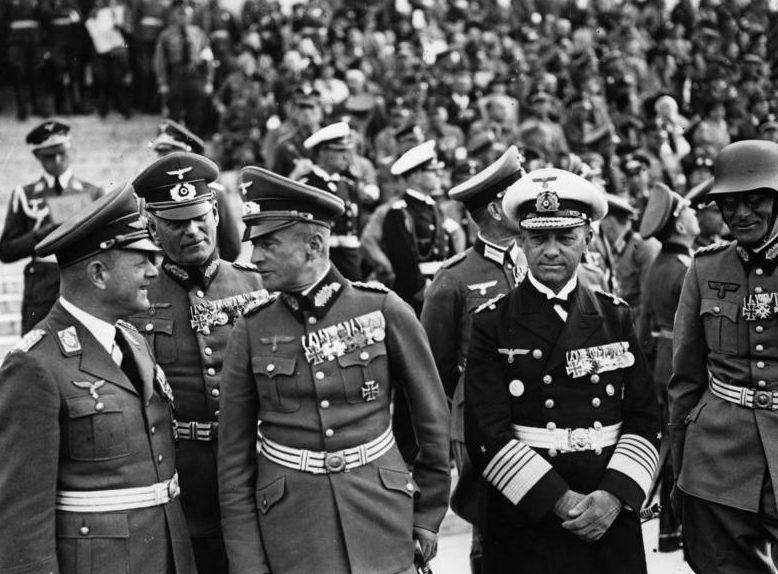 Вильгельм Кейтель, Вальтер Браухич, Эрнст Редер и Фрайхерр фон Вейхс. Нюрнберг.1938 г.