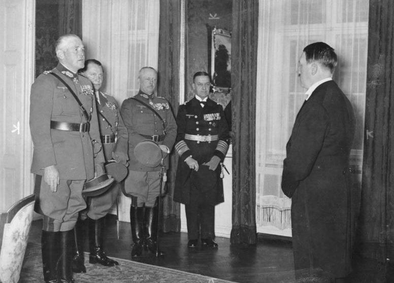Эрих Редер на приеме у Гитлера. 1935 г.