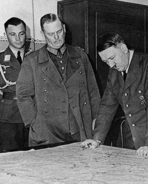 Вильгельм Кейтель и Адольф Гитлер. 1940 г.
