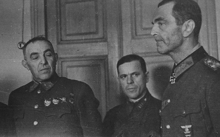 Фридрих Паулюс в плену. 1943 г.