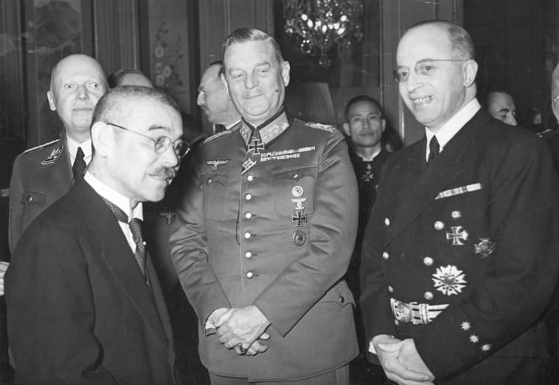 Вильгельм Кейтель, японский Министр иностранных дел Мацуока и Генрих Штамер. Берлин. 1941 г.