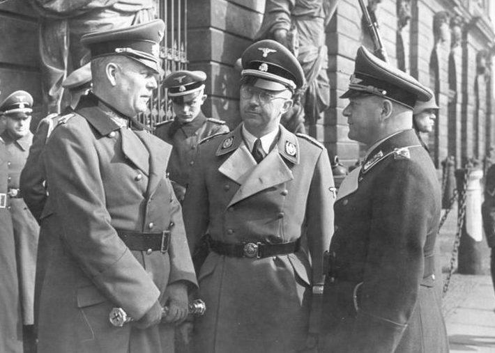 Вильгельм Кейтель, Генрих Гиммлер и Эрхард Мильх. Берлин. 1942 г.