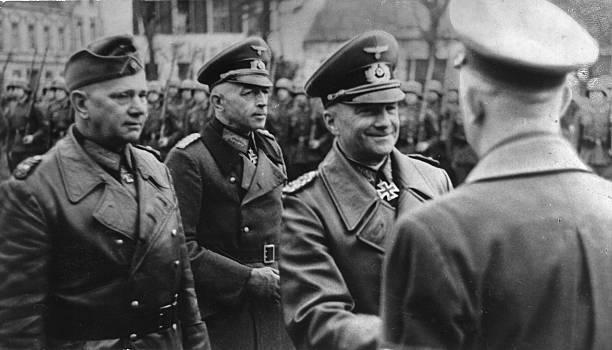 Вальтер Рейхенау, Адольф Гитлер и Йоханнес Бласковиц. 1939 г.