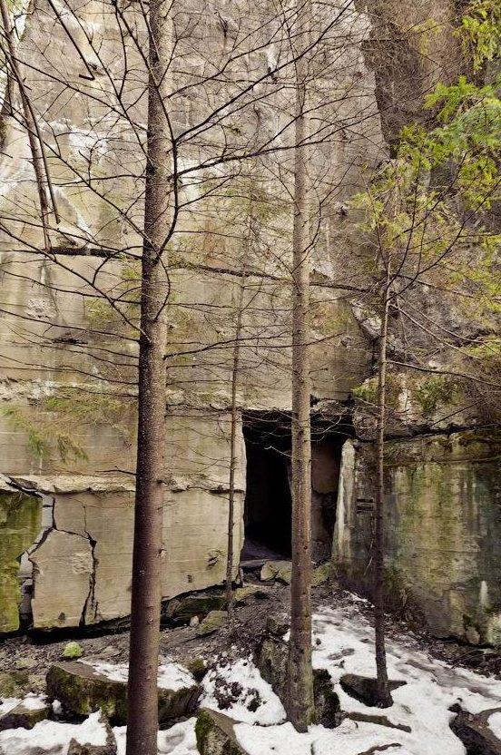 Развалины бункеров.