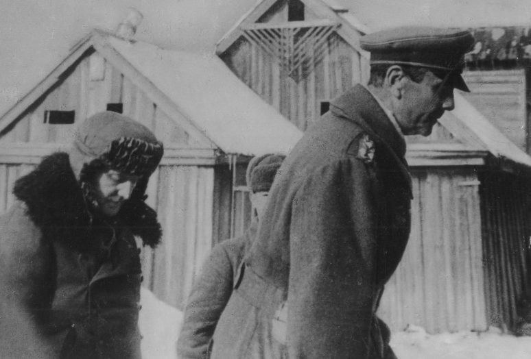 Фридрих Паулюс в штабе 64-й армии в Бекетовке. 1943 г.
