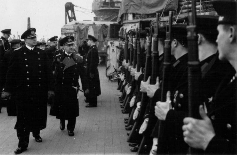 Эрих Редер на линкоре «Шарнхорст». 1939 г.