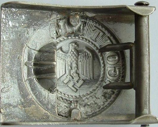 Пряжка Рейхсвера, переделанная в пряжку Вермахта.