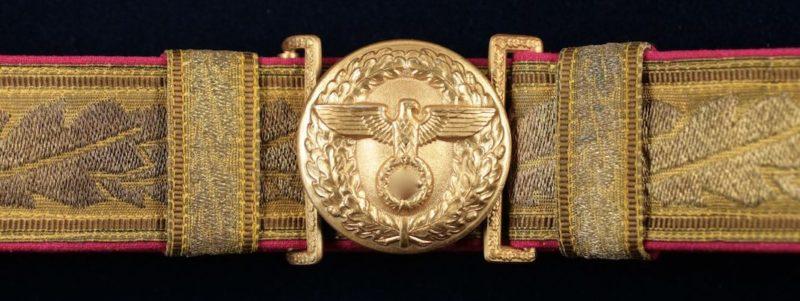 Парчовый парадный ремень с золотистой пряжкой Главного исполнительного директора в системе NSDAP.