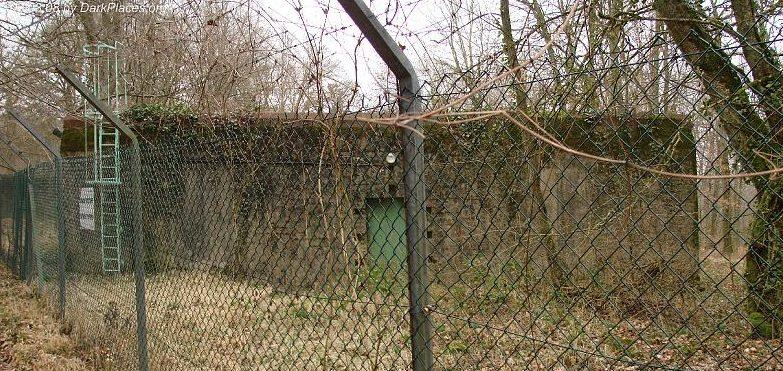 Один из двух бункеров.