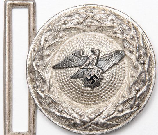 Парадный ремень и ранняя алюминиевая пряжка офицера RLB.