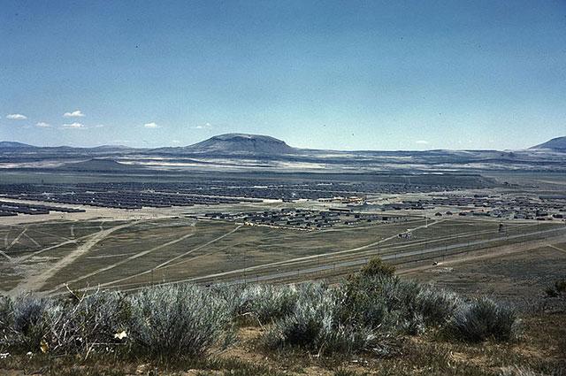 Панорама лагеря «Tule Lake» в штате Калифорния для интернированных граждан США японского происхождения.