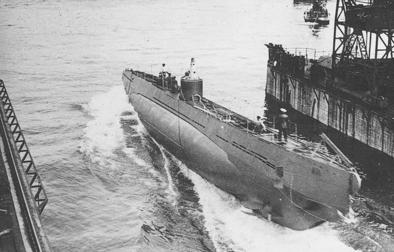 Спуск корпуса подлодки «U-57» со стапелей. Киль. 3 сентября 1939 г.