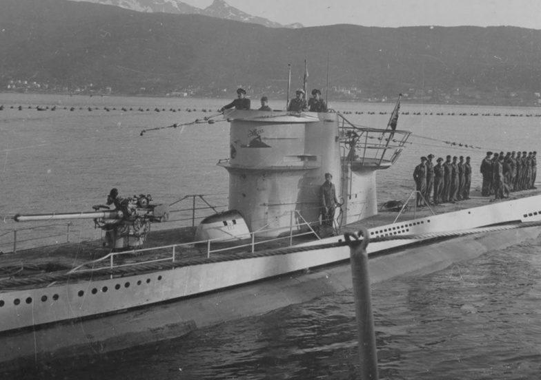 Подлодка «U-251» подходит к причалу в Нарвике. Июль 1942 г.