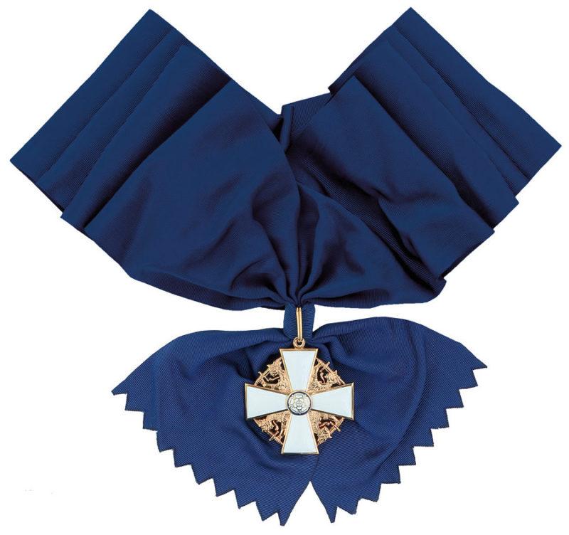 Большой крест ордена Белой розы Финляндии на широкой ленте для мужчин.