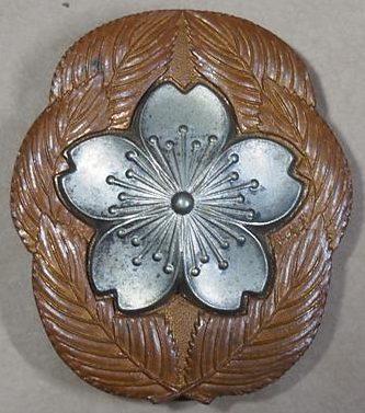 Аверс и реверс знака унтер-офицера «За отличную службу». Тип I (Плоская игла).