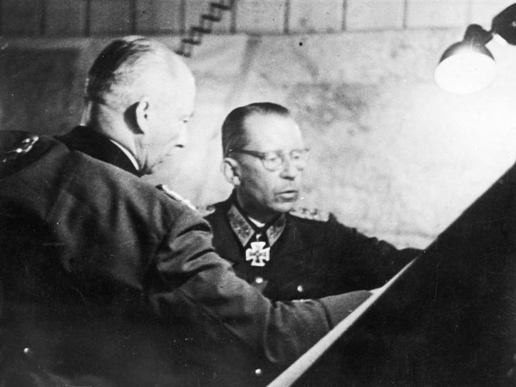 Готхард Хейнрици и фон Клюге. 1943 г.