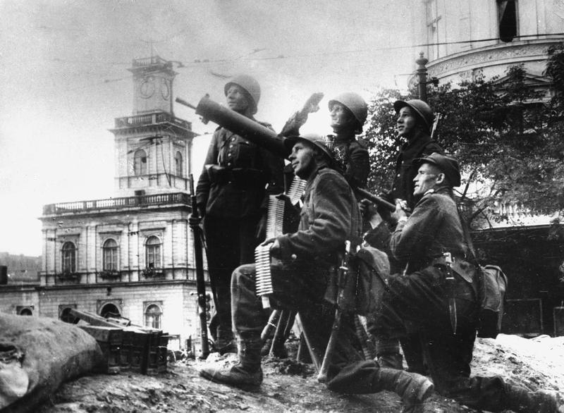 Расчет зенитного пулемета. Сентябрь 1939 г.
