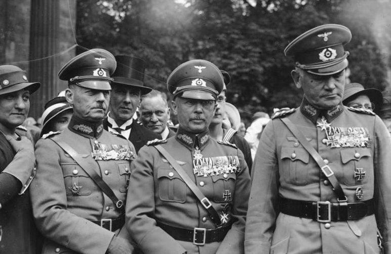 Герд фон Рунштедт, Вернер Фрич и Вернер Бломберг. 1934 г.