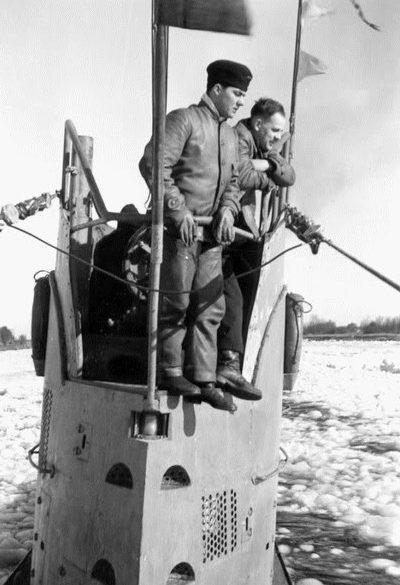 Подлодка «U-61» в зимнем море. Декабрь 1939 г.