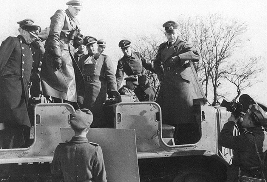 Герд фон Рунштедт на маневрах. 1938 г.