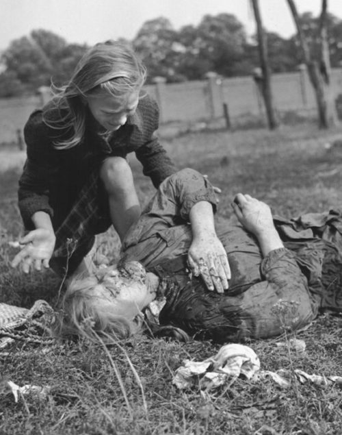 Жертвы авианалета. Сентябрь 1939 г.
