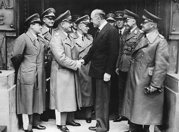 Эрнст Удет, Эрхард Мильх и Филипп Канлифф-Листер. Лондон. 1937 г.