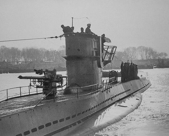 Подлодка «U-32» возвращается из похода. 1939 г.