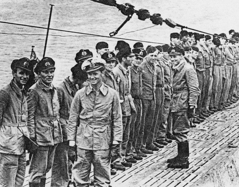 Экипаж подлодки «U-203» на палубе. 1942 г.