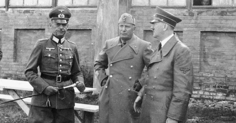 Герд фон Рунштедт, Адольф Гитлер и Бенито Муссолини. 1941 г.