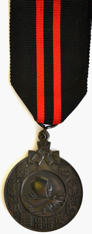 Аверс и реверс железной медали «За зимнюю войну» для иностранцев.