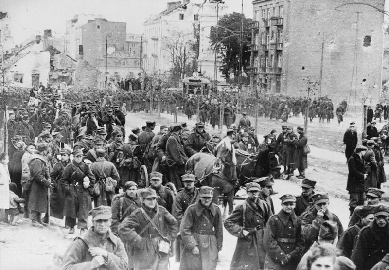 Польская армия покидает Варшаву. 28 сентября 1939 г.
