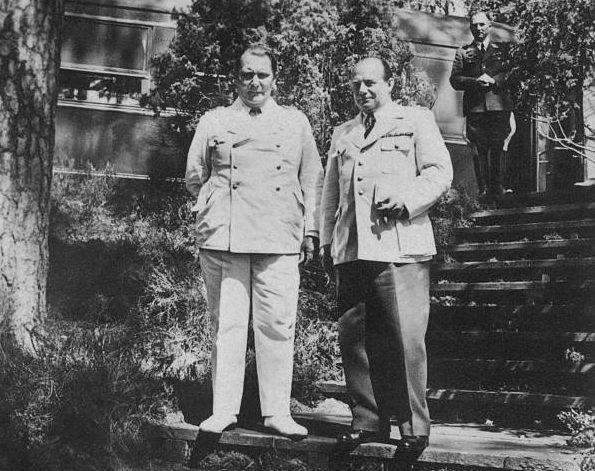 Эрнст Удет и Герман Геринг. 1941 г.