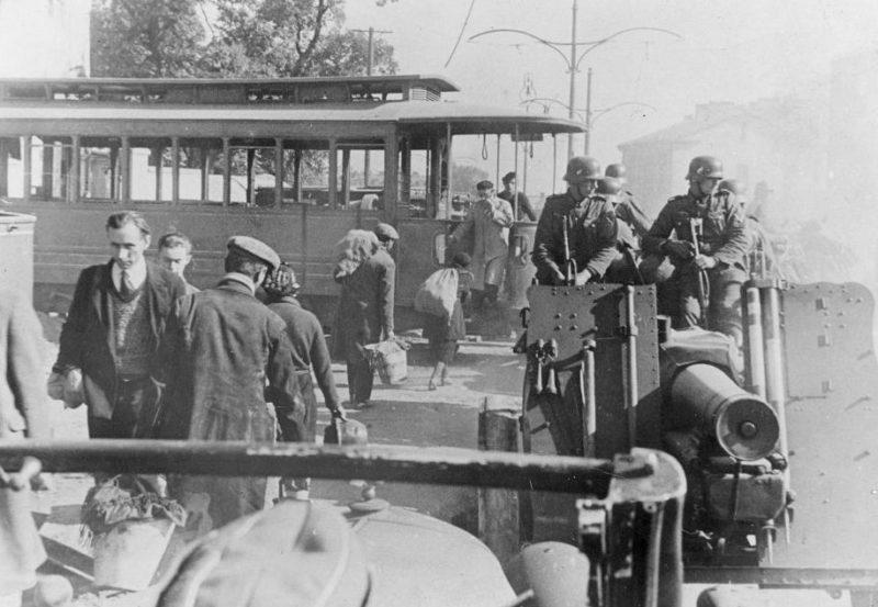 Немцы в городе. Октябрь 1939 г.