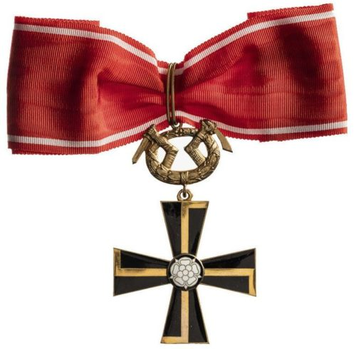 Крест Маннергейма 1-го класса.
