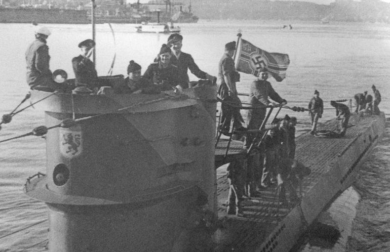Подлодка «U-576» в порту. Сен-Назер. 1942 г.