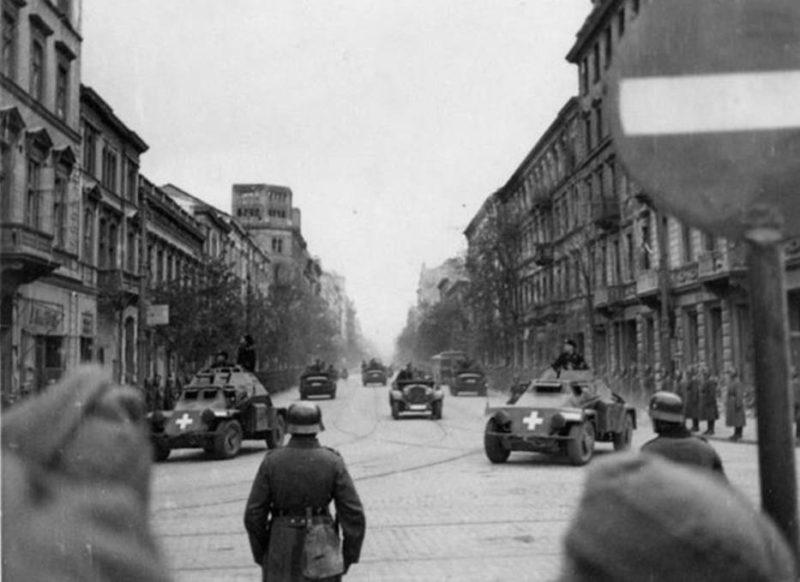 Город после капитуляции. Октябрь 1939 г.