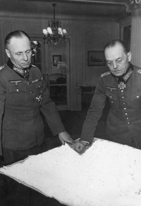 Герд фон Рунштедт и Эрвин Роммель. 1944 г.