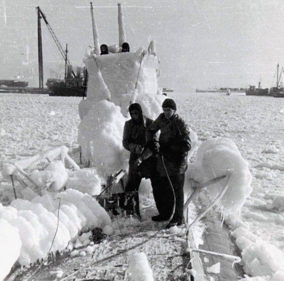 Подлодка «U-2» зимой. Декабрь 1940 г.