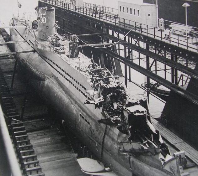 Ремонт подлодки «U-35» в сухом доке. 1942 г.