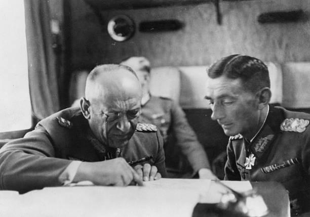 Николаус Фалькенхорст и Эдуард Дитль. 1940 г.