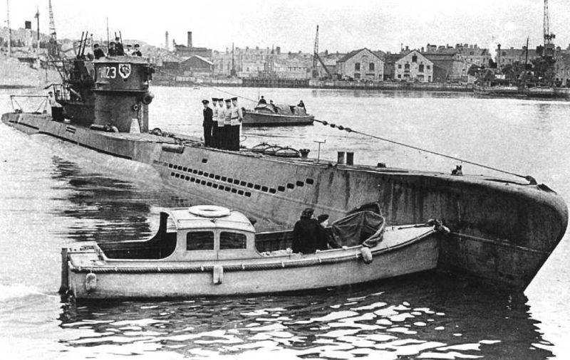 Подводная лодка «U-99» заходит на базу. 1940 г.