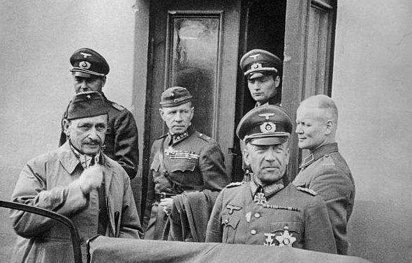Николаус Фалькенхорст и фельдмаршал Маннергейм. Финляндия. 1941 г.