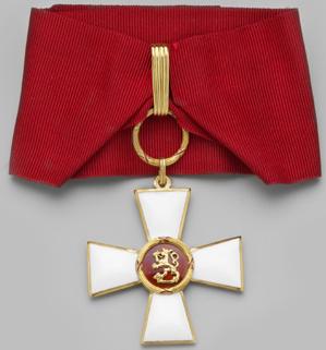 Командорский Крест ордена Льва Финляндии на шейной ленте для мужчин.